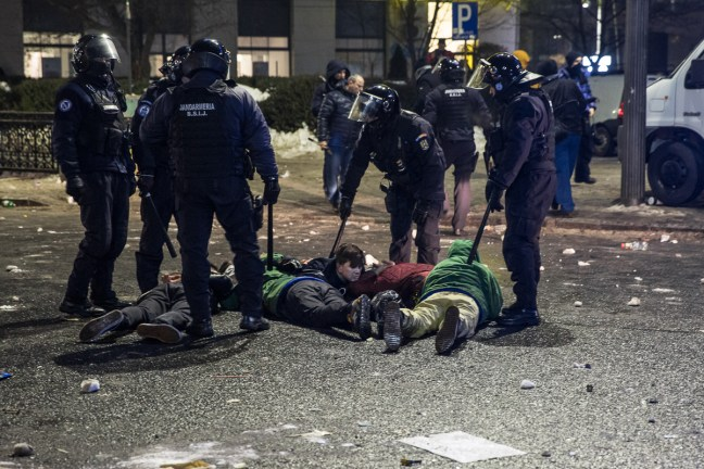 Police Brutality in Romanian protests for rule of law. Photo - Al Jazeera