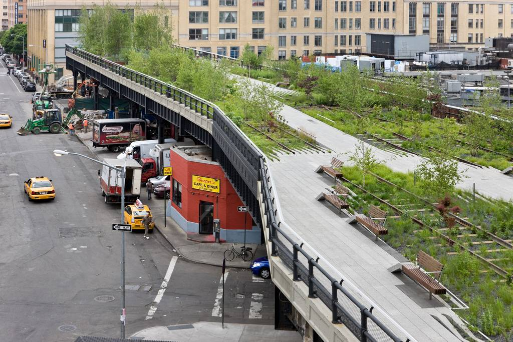 New-York-High-Line-Park-city-green-space-by-Iwan-Baan