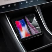 Tesla-Model-Wireless-Phone-Charger-fou1