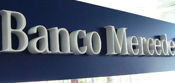 Banco Mercedes-Benz