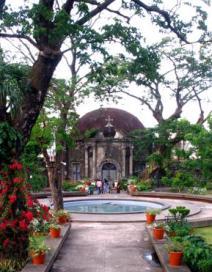 Manila Çin Mezarlığı; bakımlı, şık, turistik