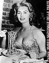 Sophia Loren -Melekler cennette sadece domates soslu makarna yiyorlar!- kampanyasında