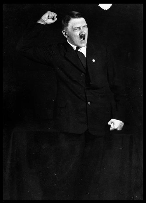 [Heinrich Hoffman] Hitler'in nutuk çalışmaları çekimleri 2