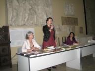 Intervento di Simona C. Farcas, Prof.ssa Donatella di Cesare (a destra), Dott.ssa Tatiana Ciobanu (a sinistra)