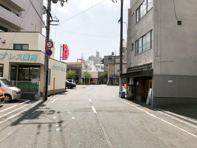 長いち:店頭の道路 北から南