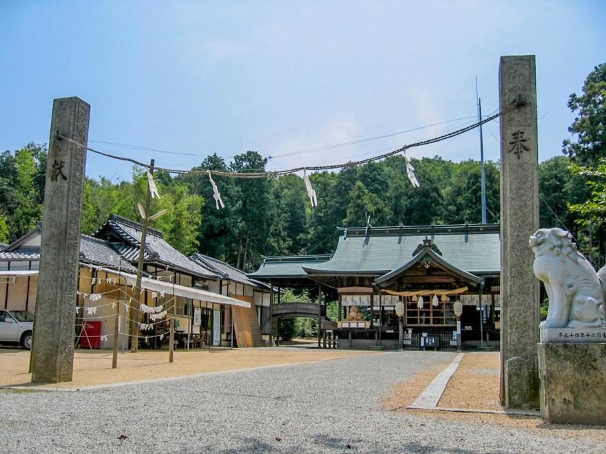 安仁神社:社殿のようす