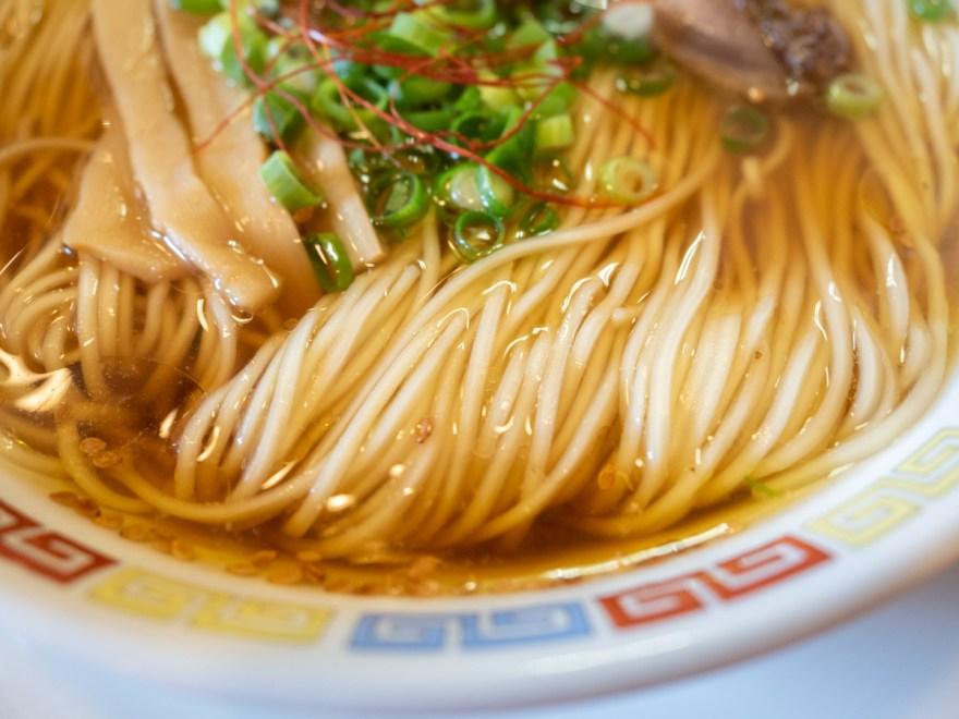 お多津:笠岡ラーメン 大盛りの麺