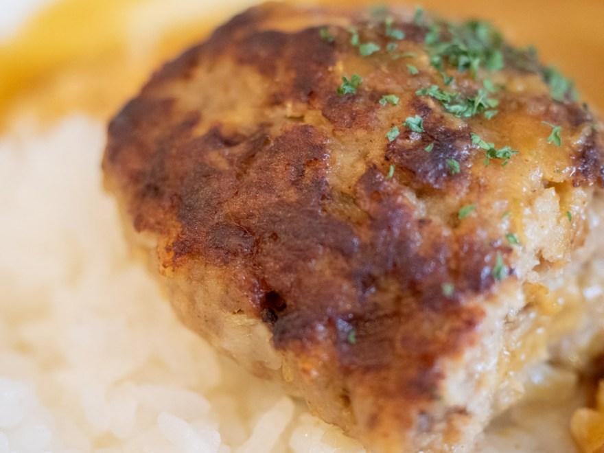 神戸屋:ハンバーグカレーのハンバーグ