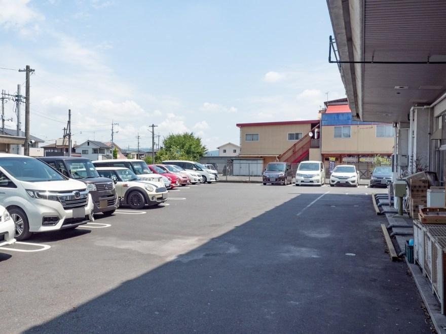 インダストリー:駐車場