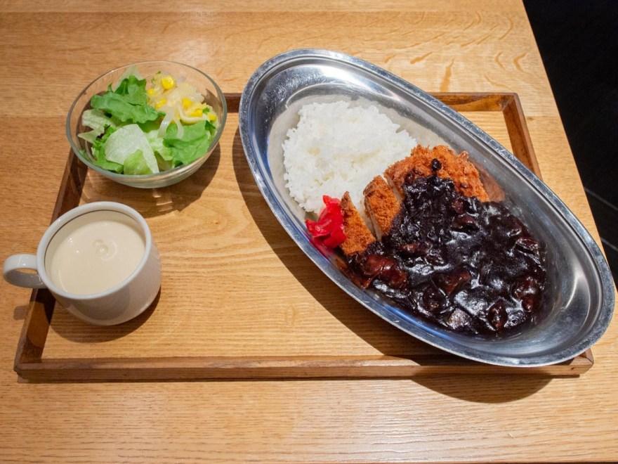 ボントレ珈琲店:牛スジ肉のカツカレーセット