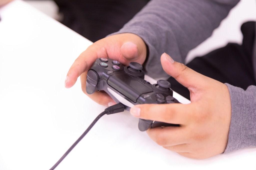 【最新】MobileLegends【モバレ】MOBA向けスマホゲーム用コントローラー | くぅちゃんの食生きるブログ