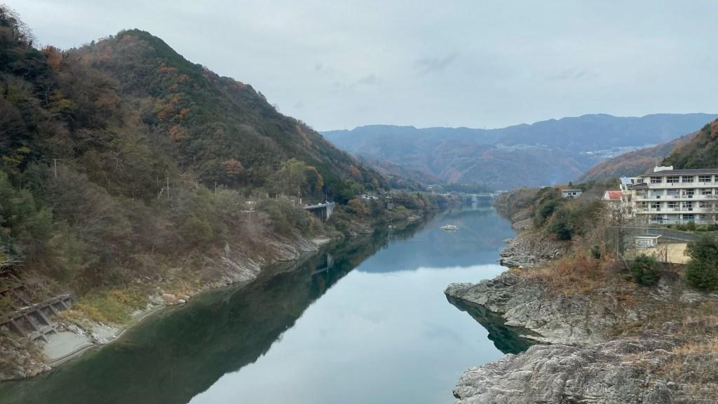 吉野川橋梁上