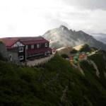 燕山荘と燕岳