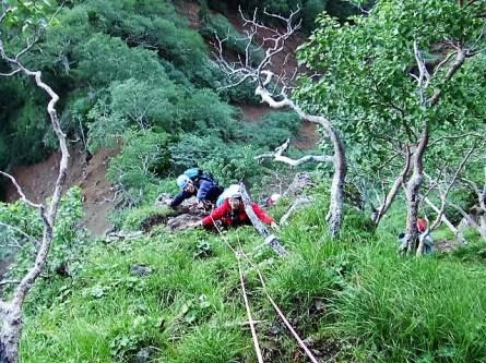 ②登攀中のTKGさんとSOさん