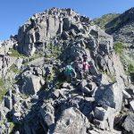奥明神沢コルから明神岳登攀中