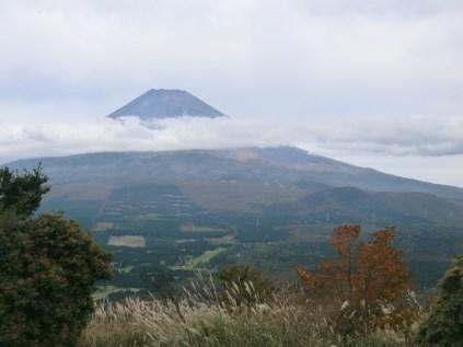 富士山が顔を出した