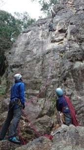 ホワイトチムニー岩をクライミングシューズでリード。快適。