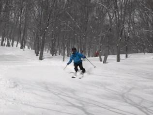 新雪の斜面楽し