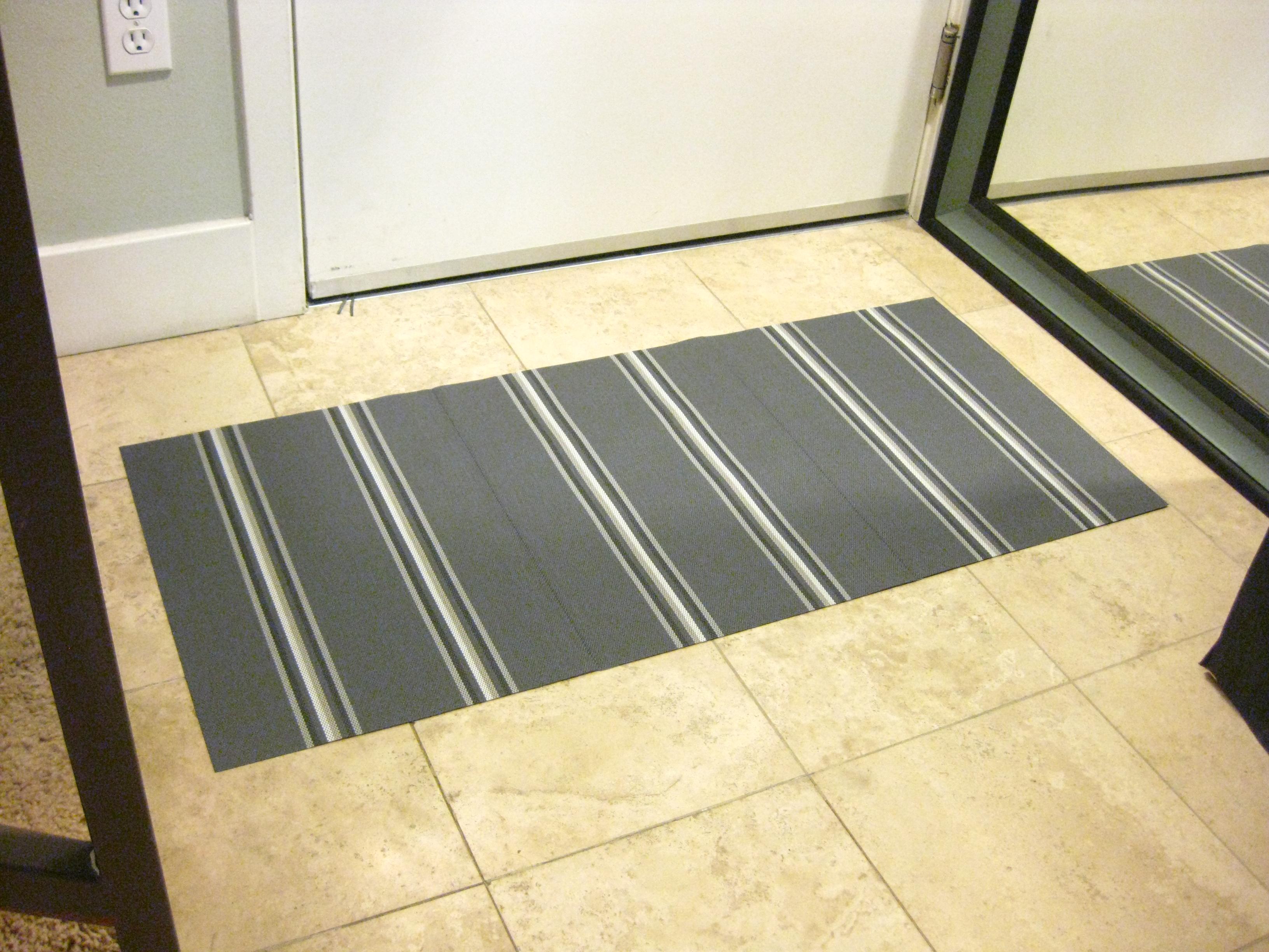 A Little DIY Low Profile Floor Mat Using Placemats FuzzyCloudDesigns Blog
