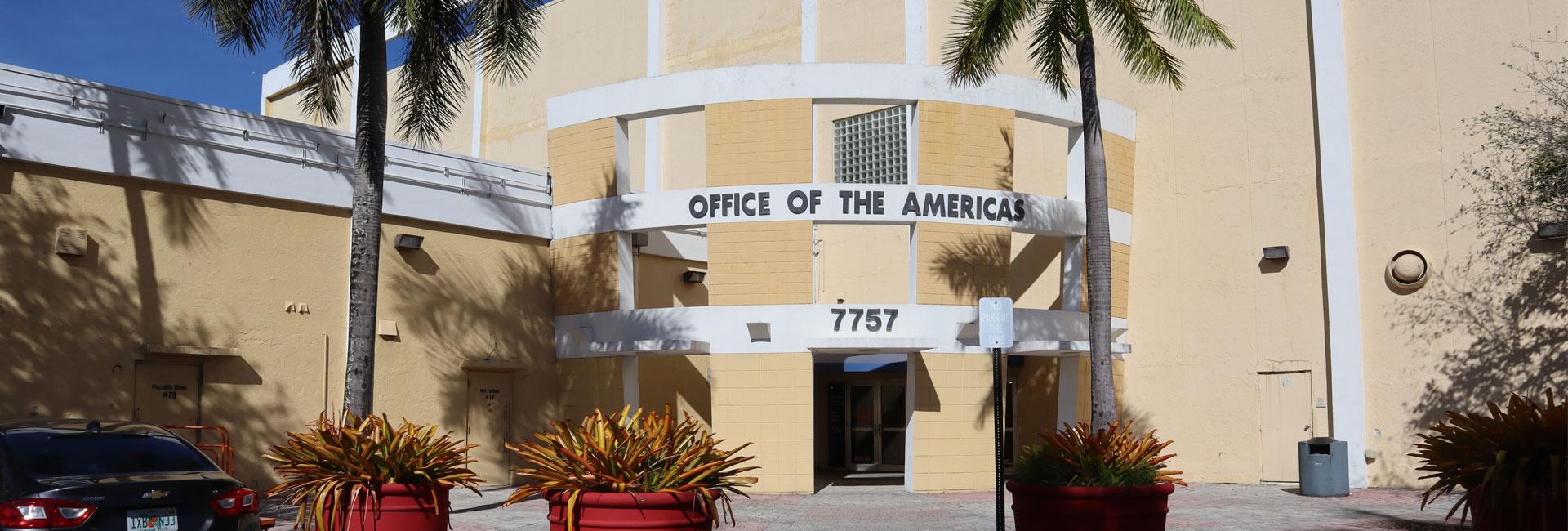 Banner del campus de Miami