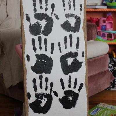 Weekend Pinteresting Pursuit- Family Handprint Canvas