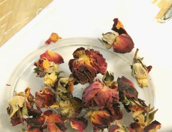 rosebuds-in-bowl