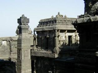インド エローラ石窟寺院群