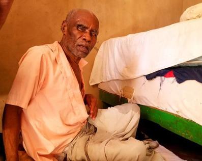 Un adorable papy aveugle et victime d'un AVC il y a quelques années