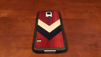 Carved Travel Wood Case S5 back