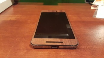 Nexus 6P Toast wooden cover front overall