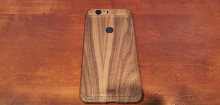 Nexus 6P Toast wooden cover feature