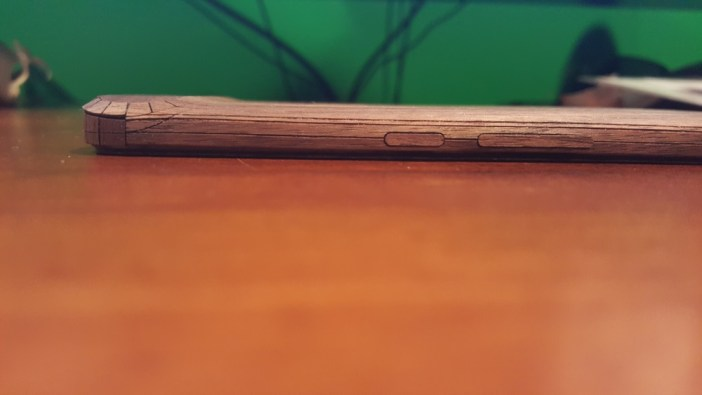 Nexus 6P Toast wooden cover side view