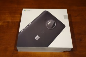 Lumia 950 XL box