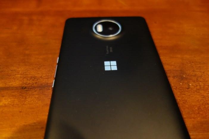 Lumia 950 XL back 2