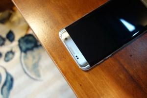 Galaxy S7 edge top