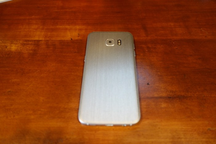 Galaxy S7 edge back with dbrand skin