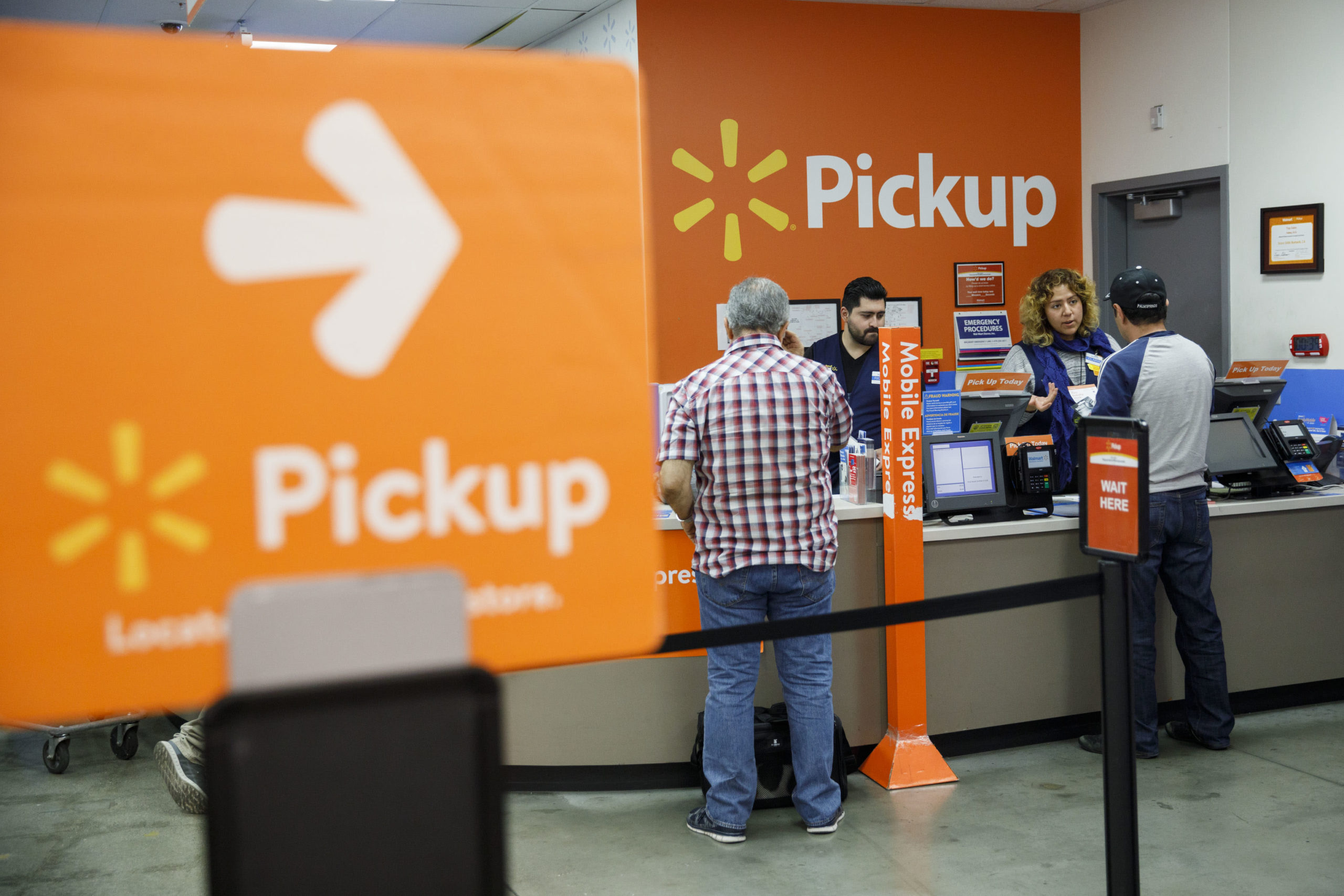 As Walmart grows in e-commerce, traders search for a plan to stem the losses