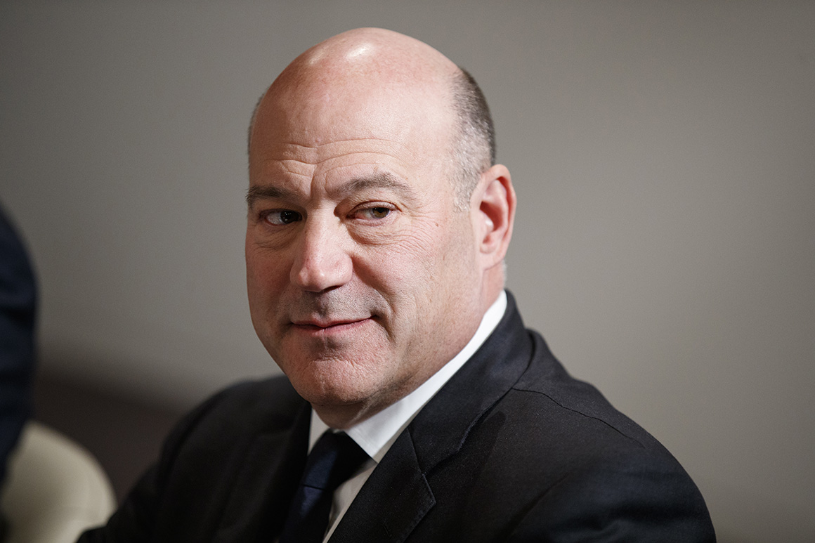 Congress ought to bail out gig employees, Cohn says