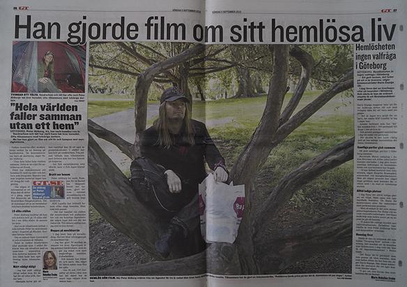 """Peter Ahlborg är med i GT/Expressen söndagen 5 september 2010, sidorna 26 och 27. Han gjorde film om sitt hemlösa liv. """"Hela världen faller samman utan ett hem""""."""