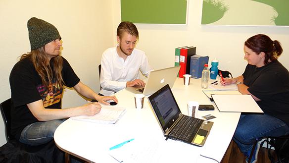 Peter Ahlborg och Faktum-jusristerna. Foto: Privat
