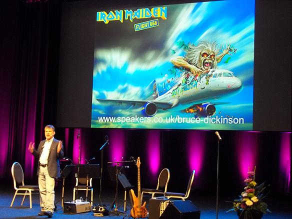 Bruce Dickinson talar på Mediedagarna i Göteborg. Foto: Peter Ahlborg