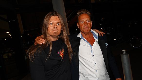 Peter Ahlborg och Björn Ranelid träffas en snabbis efter Björns medverkan i SVT-debatt, där han diskuterade sin syn på   Sverigedemokraternas ökade stöd.