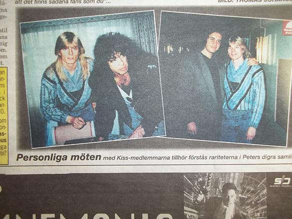 Peter Ahlborg tillsammans med sina idoler Paul Stanley och Gene Simmons - hans första möte med Kiss-medlemmarna 18   september 1988.
