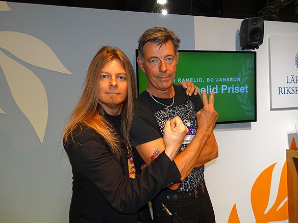 Peter Ahlborg tillsammans med Torgny Karnstedt efter att han har tagit emot Björn Ranelid-priset   på Bokmässan 2014.