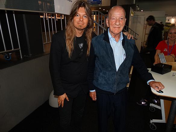 Peter Ahlborg tillsammans med Pehr G Gyllenhammar under Bokmässan 2014. Gyllenhammar var VD och styrelseordförande i Volvo under sammanlagt 23 år.