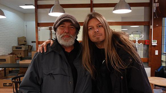 Peter Ahlborg tillsammans med Lenarto, krönikör i tidningen Faktum. Foto:  Christian Jansson.