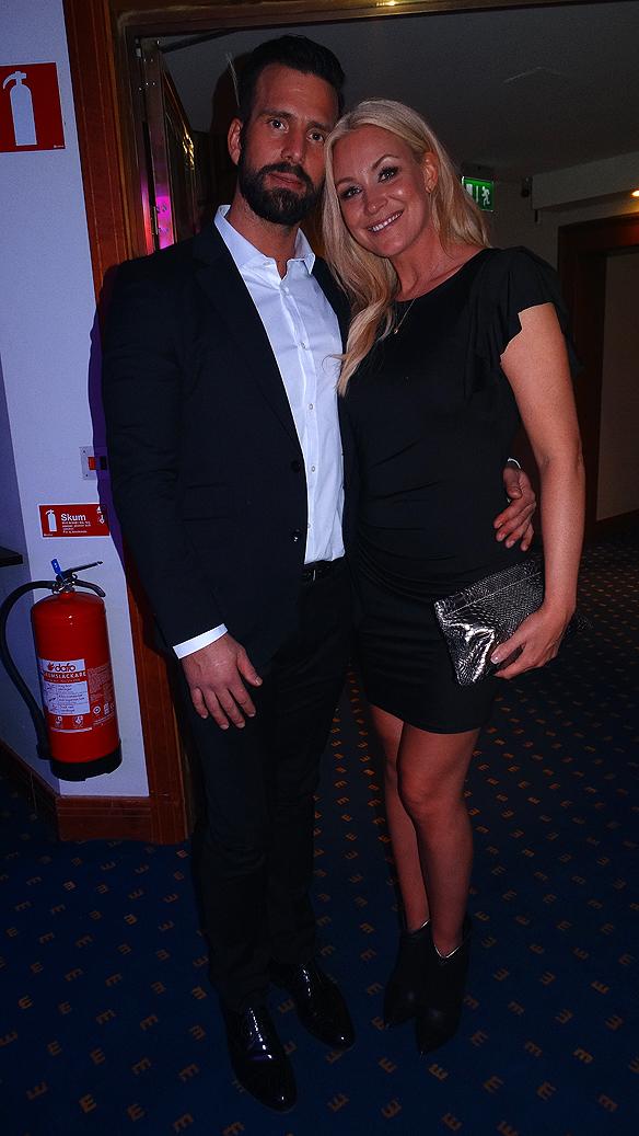 Jessica Andersson tillsammans med sin stora kärlek sedan fem år tillbaka Niklas Fermfelt. Tillsamman syntes de kyssas och dansa de på efterfesten. foto Peter Ahlborg