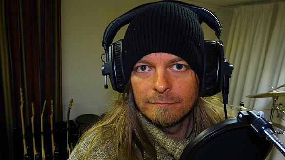 Peter Ahlborg i studion.