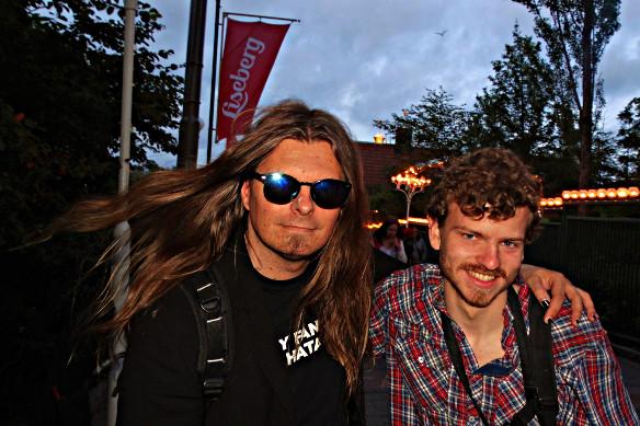 Peter Ahlborg och Charlie utanför Liseberg. Vi hade en toppen dag med många härliga möten med många människor.