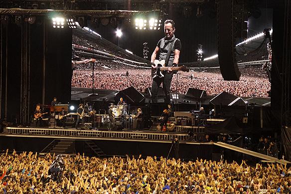 Magisk konsert inför 62 000 fans på Ullevi, så många fans kom till konserten. Foto: Peter Ahlborg